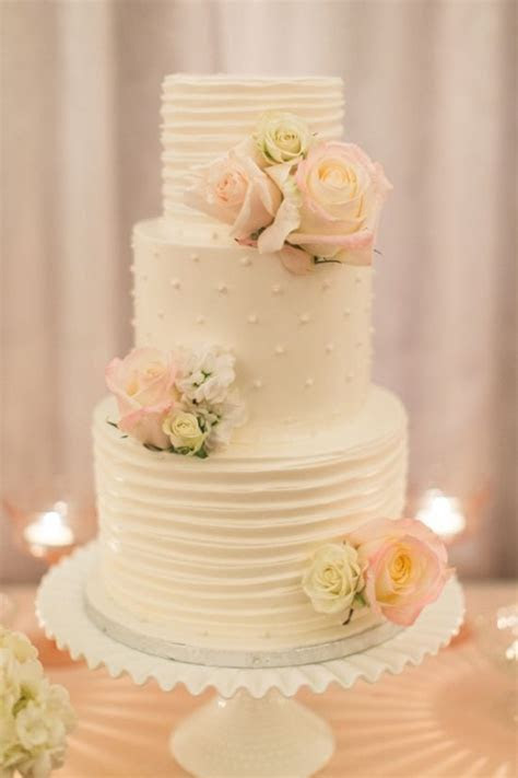 25  best ideas about Ivory wedding cake on Pinterest