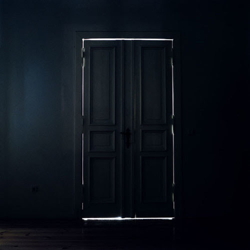 I love doors! When they're closed, aren't you curious what lies behind them? That is why I put a door on my book. It plays a part in my book of mystery and intrigue.