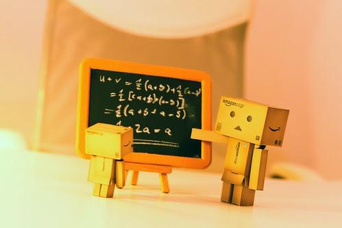169/365 Danbo bringt Mini rechnen bei / Danbo teaches Mini how to calculate