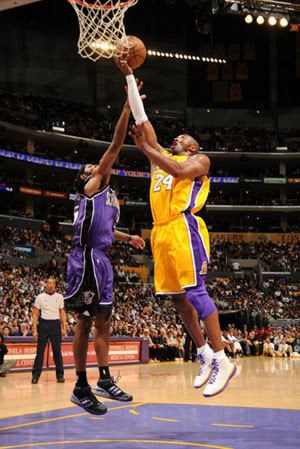 Kobe Bryant goes up for a layup during the Lakers game against the Sacramento Kings at Staples Center on April 15, 2008 in Los Angeles, California.