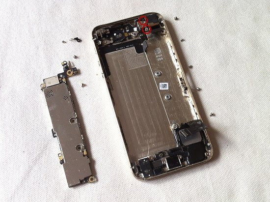 iPhone 5S disassembly stage 31