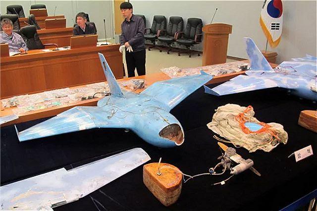 De acuerdo con la agencia de noticias Yonhap, Corea del Sur planea fabricar un sistema de armas láser para 2020 para lidiar mejor con las amenazas planteadas por los vehículos aéreos no tripulados (UAVs) de Corea del Norte, dijo el viernes el Ministerio de Defensa. El Ministerio de Defensa Nacional de Corea del Sur dijo que desarrollará tecnología láser el próximo año para derribar aviones teledirigidos como parte de su sistema de armas láser más amplio.