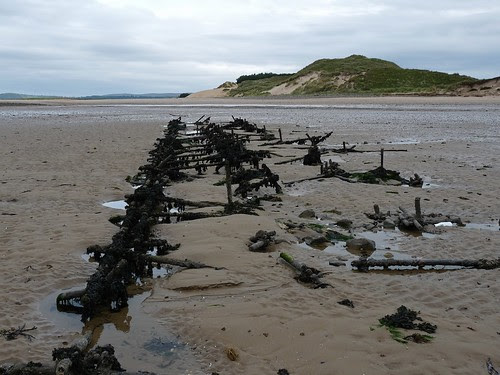 11340 - Remains at Whiteford Point Lighthouse