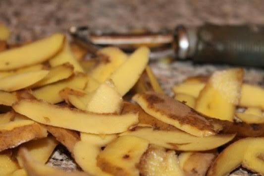Μετά από αυτό δεν θα πετάξετε ποτέ ξανά τις φλούδες από τις πατάτες