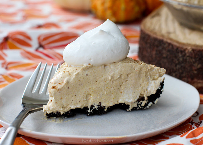Pumpkin Cream Pie // Loves Food, Loves to Eat
