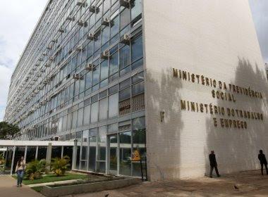 Ministério do Trabalho apaga publicação em rede social sobre férias pelo mundo