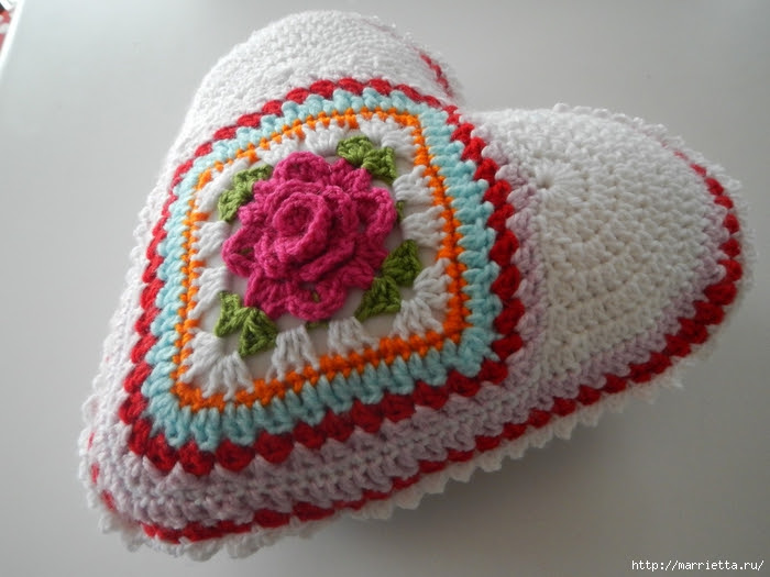 Crochet.  Tack with volume rose (14) (700x525, 248Kb)