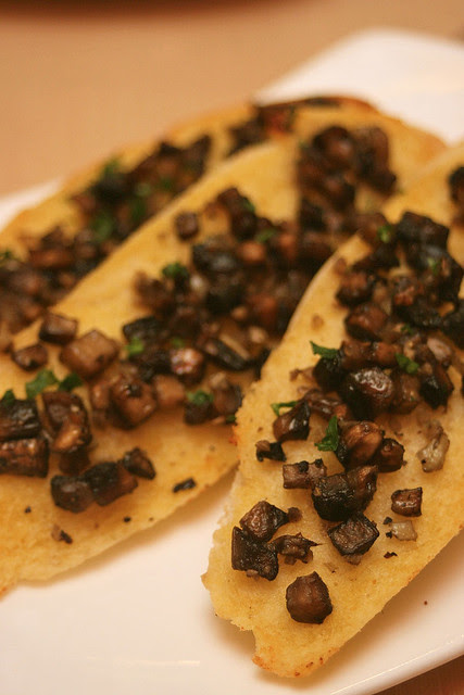 Bruschetta with Mushrooms
