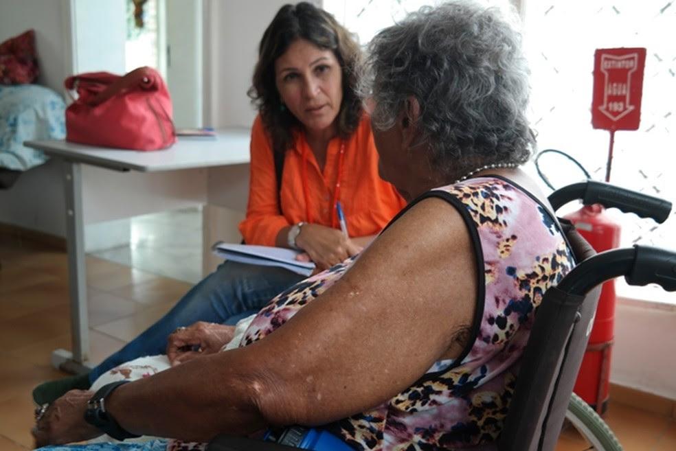 Diversas irregularidades no tratamento de idosos foram detectadas pelo Procon-PE, em abrigo no Recife (Foto: Angélica Renepont/SEDH)