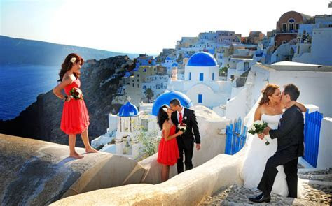 Santorini weddings Nikos, Nicholas Sirigo is a Santorini