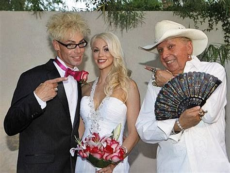 Tropicana Hotel's Headliner Murray 'Celebrity Magician