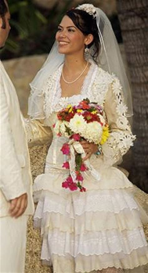 Finding Traditional Mexican Wedding Dresses   LoveToKnow