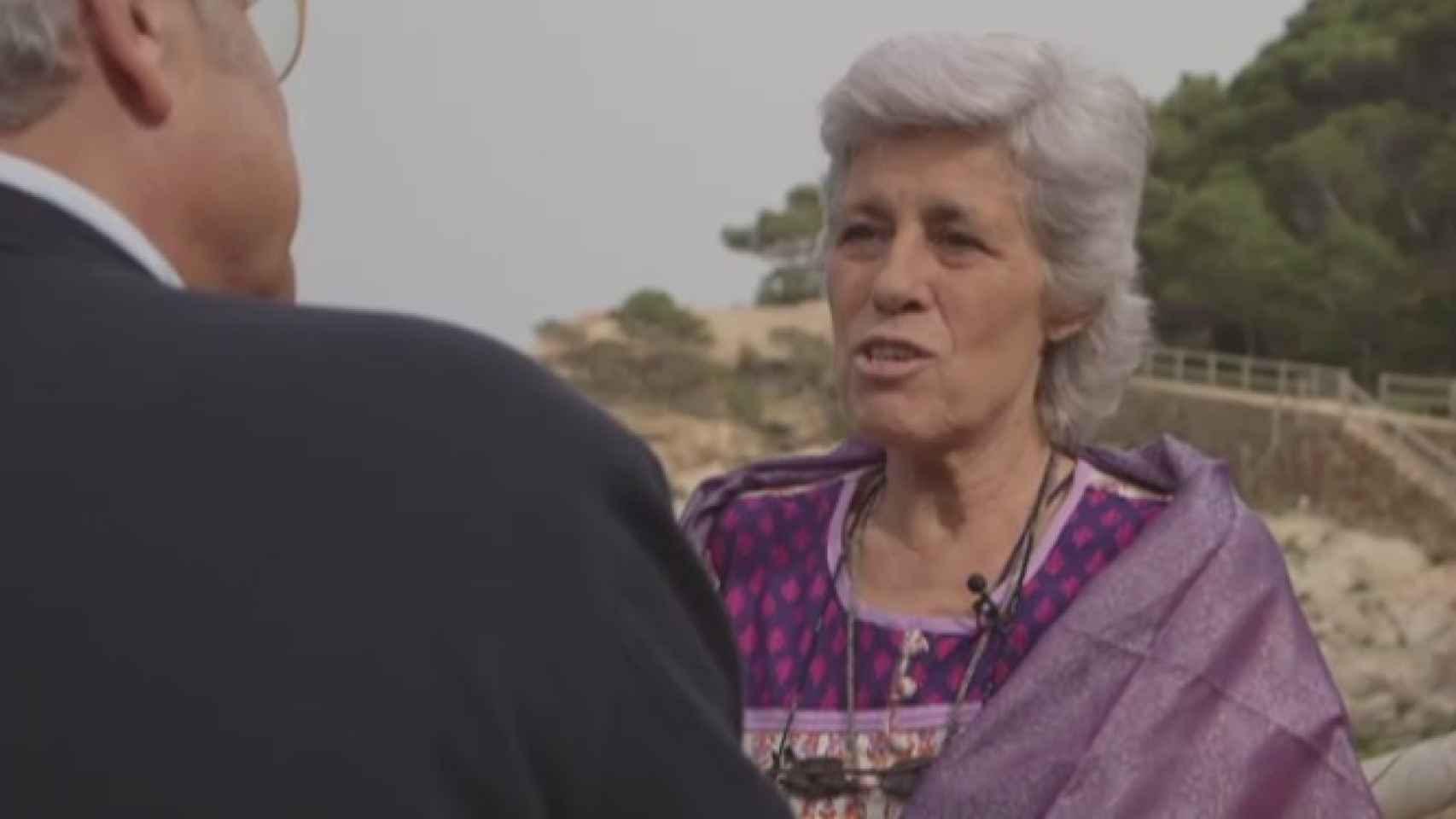 Teresa Ilari. Promueve el uso del agua de mar para cualquier dolencia. A una mujer le llegó a recomendar que bebiera su propia orina.