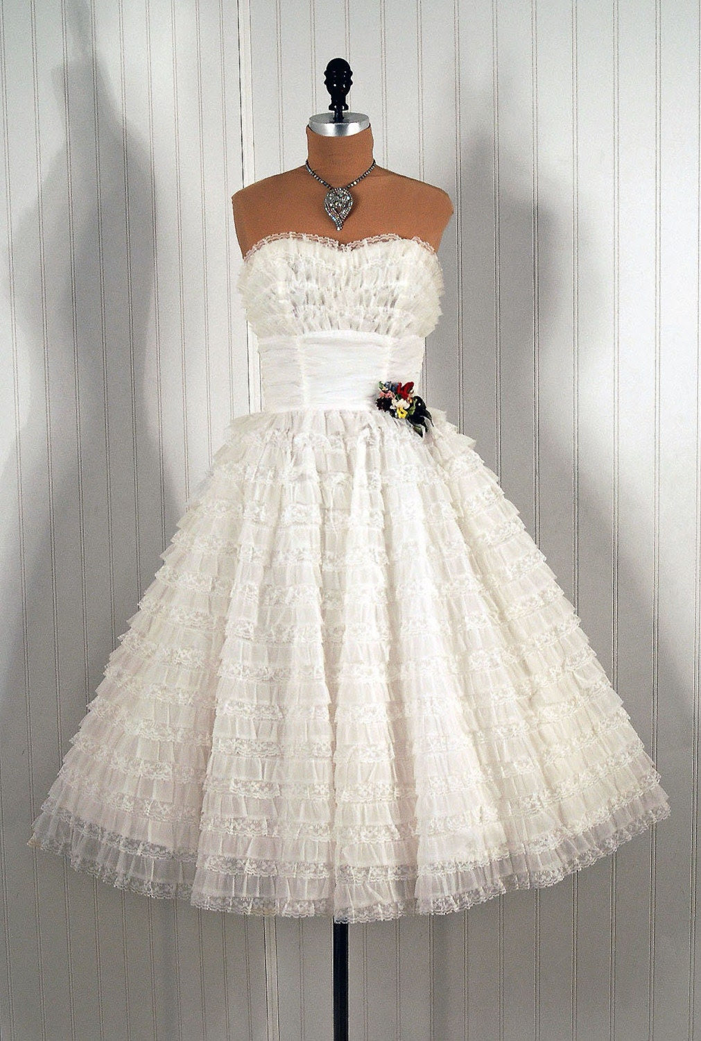 1950's Vintage Strapless White-Ruffle Tiered Chiffon and Lace Applique Couture Princess Party Wedding Dress
