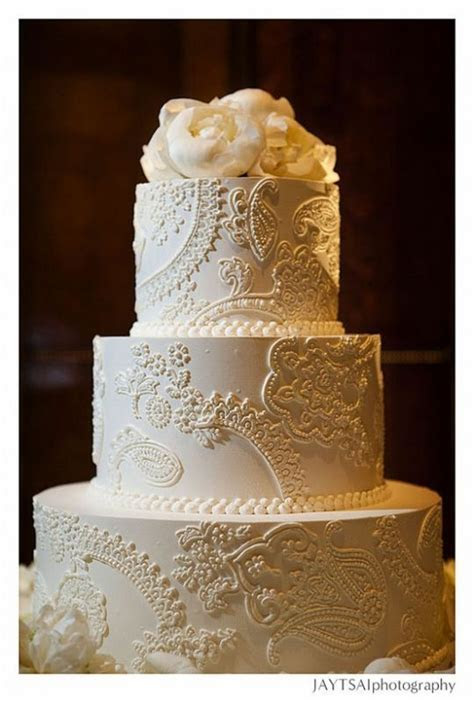 Show me your fondant free Lace themed wedding cakes please :)