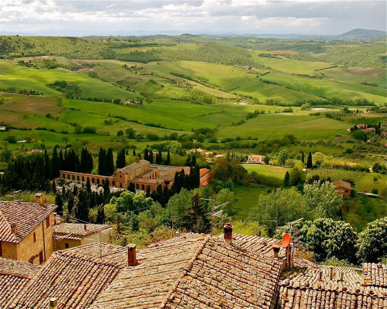 Tuscany Landscape Art Italy Photograph Green Home by VitaNostra