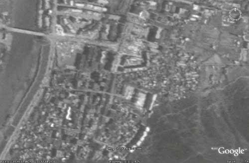 福卫二号卫星提供的震后茂县的黑白卫星地图