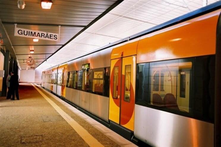 Resultado de imagem para Urbanos do Porto Novos Comboios na ligação Porto- Guimarães