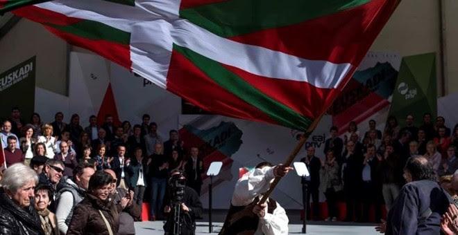 El PNV celebra el Aberri Eguna, Día de la Patria vasca, con el tradicional acto político en el que han intervenido el presidente del partido, Andoni Ortuzar, y el lehendakari, Iñigo Urkullu. EFE/Miguel Toña