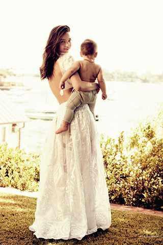Miranda-Kerr-Baby-Flynn-British-Vogue