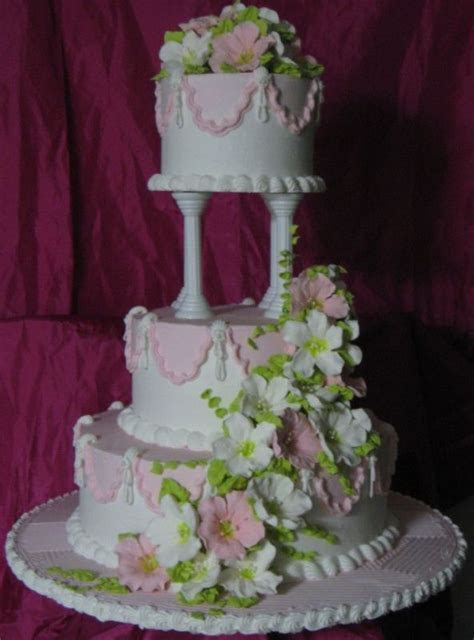 pillar wedding cakes   boards, separator plates and