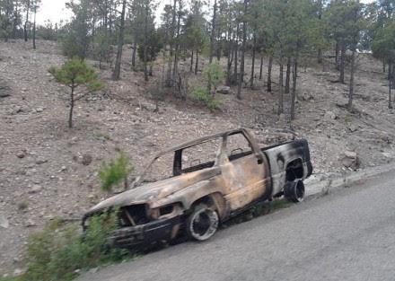 Camioneta incinerada el 9 de julio. Foto: Especial.