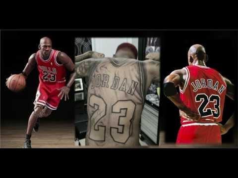 El obsesionado fanático dominicano de Michael Jordan se tatúa la camiseta del jugador en la espalda