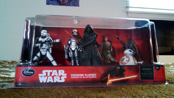 THE FORCE AWAKENS figurine playset that I bought from the Disney Store at my local mall on 'Force Friday,' September 4, 2015.