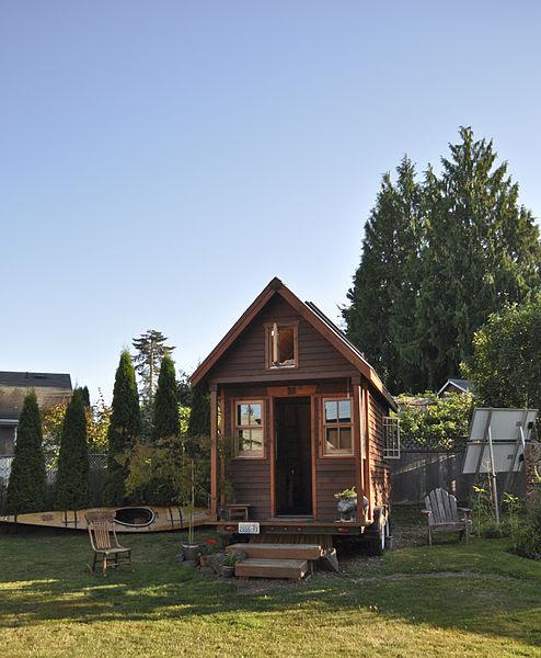 File:Tiny house in yard, Portland.jpg