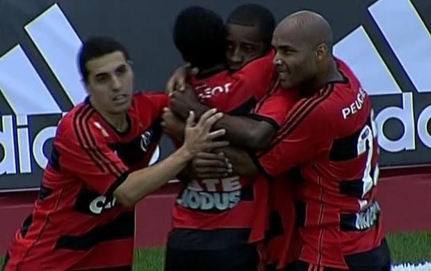 Mikimba chegou ao seu gol de número 9 na competição (Foto: Frame SporTV)
