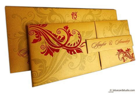 Golden Magnet Dazzling Wedding Invitation Card with Red