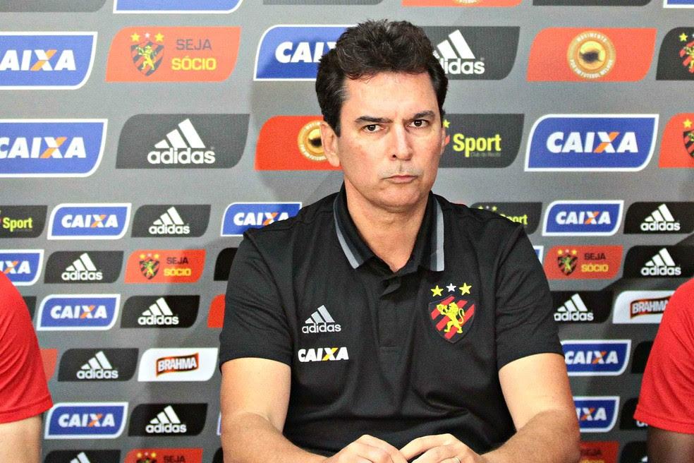 Alexandre Faria afirmou que Luxemburgo aprovou a ideia de treinar o Sport (Foto: Aldo Carneiro / Pernambuco Press)
