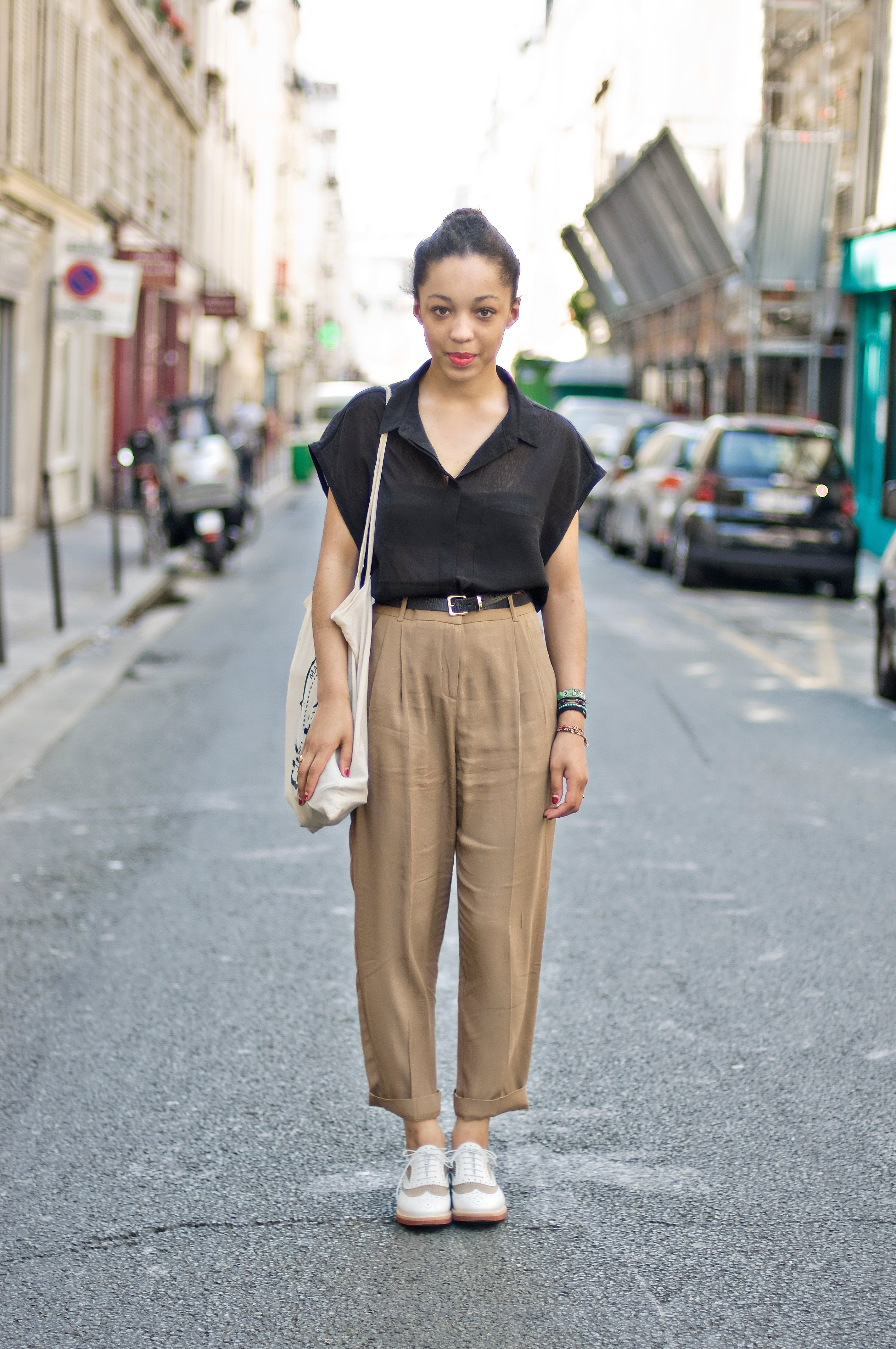 how to wear white shoes outfits street style
