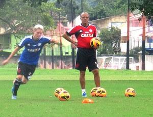 Adryan treino Flamengo (Foto: Fabio Leme)
