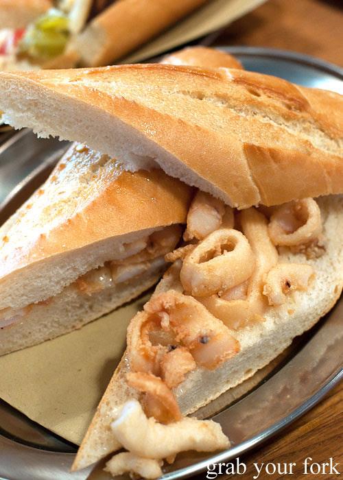 bocadillo fried calamari encasa deli