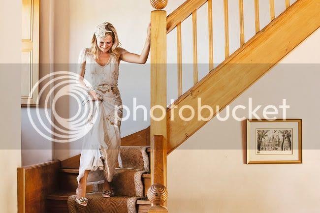 http://i892.photobucket.com/albums/ac125/lovemademedoit/welovepictures/CapeTown_Constantia_Wedding_07.jpg?t=1334051042