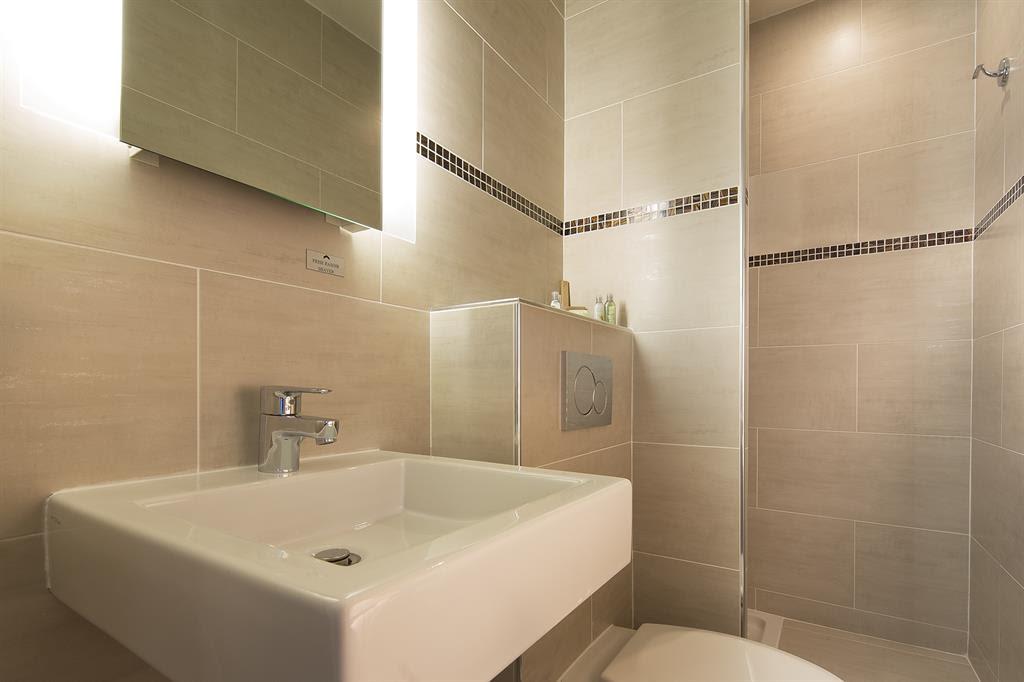 666821 salle de bain moderne salle de bain beige