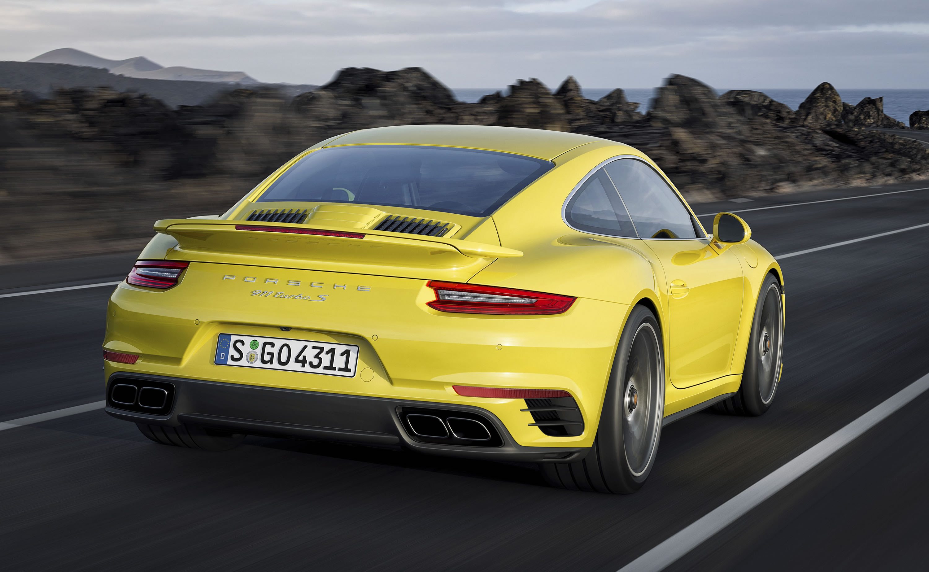 2017 Porsche 911 Turbo S Photos, Specs and Review - RS