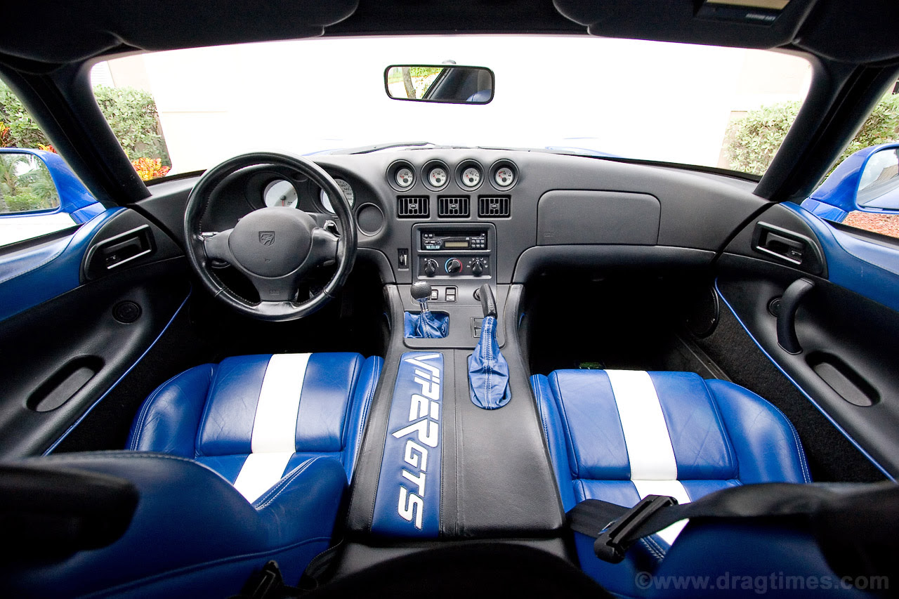 dodge viper Interior and