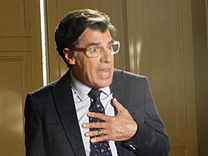 Téo fica surpreso quando José Alfredo autoriza biografia (Foto: Cláudia Castilho/ Gshow)