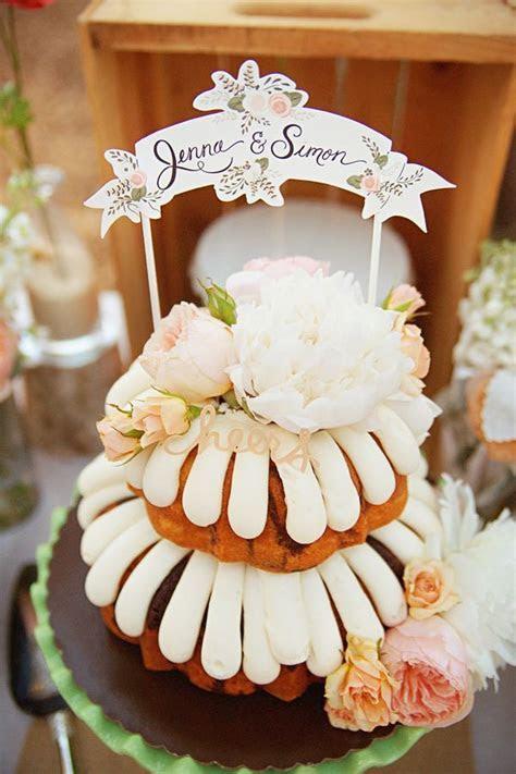 Best 25  Ruffled wedding cakes ideas on Pinterest   Gold