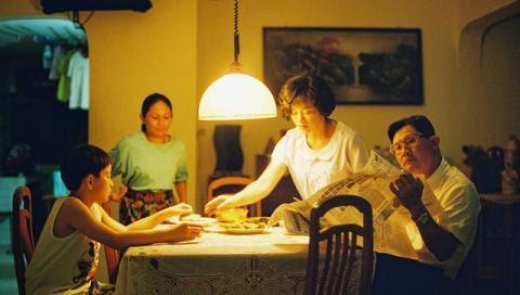 爸媽不在家 (ILO ILO) 劇照