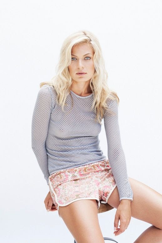 LE FASHION BLOG LIGHT BRIGHT SAM&LAVI SS 2014 LONG SLEEVE MESH PURPLE TOP PRINT BOARD SHORTS LONG BLONDE WAVY HAIR SPRING SUMMER INSPIRATION 4 photo LEFASHIONBLOGLIGHTBRIGHTSAMampLEVISS20144.jpg