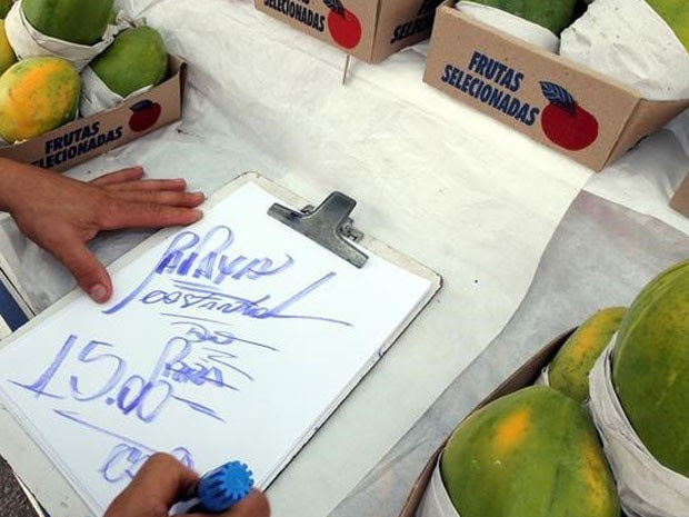Preços dos alimentos subiram menos e puxaram inflação para baixo. (Foto: REUTERS/Paulo Whitaker)