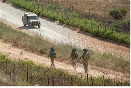 IDF troops patrol northern border