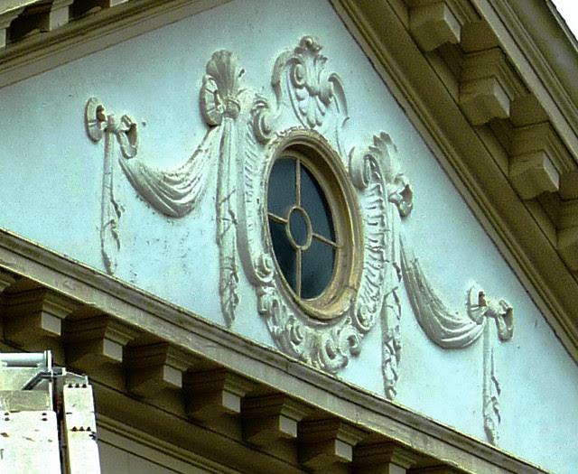 P1080097-2012-05-08--Decatur-1st-Baptist-by-Lewis-Crook-classic-Portico-Repair-1948-51-detail-5-Pediment