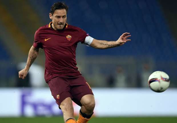 'Totti is the Federer of football' - Nainggolan compares Roma legend to tennis icon