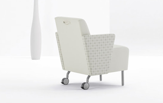 Roadster Mobile Lounge. Designed by PLD Design Group. Manufactured by Arcadia.