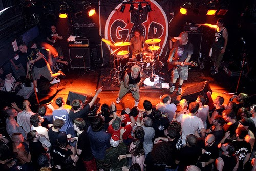 <center>[VIDEO] 'Good Riddance' Reunion full set</center>