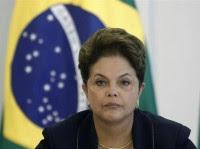 "Para sociólogo, presidente Dilma se tornou ""refém de chantagens"" da bancada evangélica"